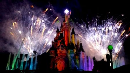 Nightly fireworks Disneyland Pari